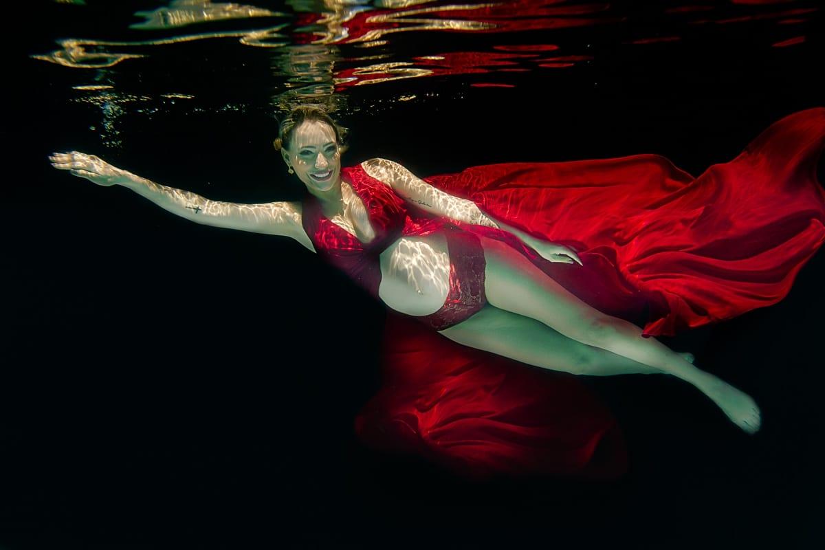 Paula Souza - Fotografia - Debaixo Dagua - subaquatica - agua - foto molhada - sereia - projeto - newborn - gestante - fotografo - piscina - prova dagua - Goiania - anapolis - brasilia - goias (6)